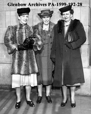 L-R: Edwina Milvain, Alice Bracken, Mrs. John Sydie